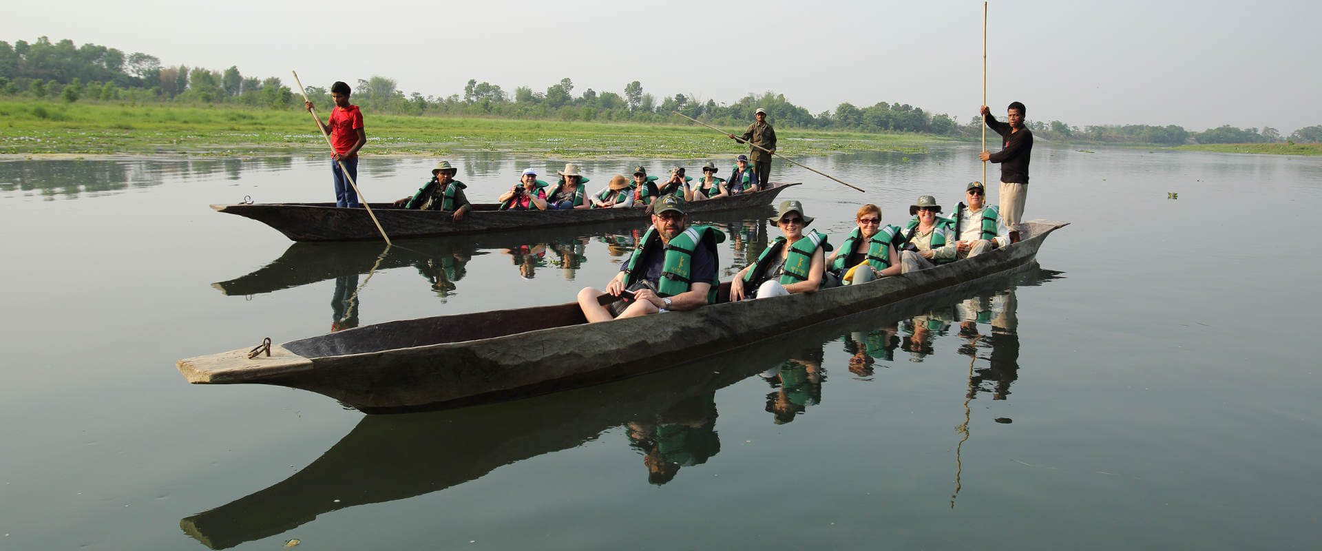canoeing in Chitwan